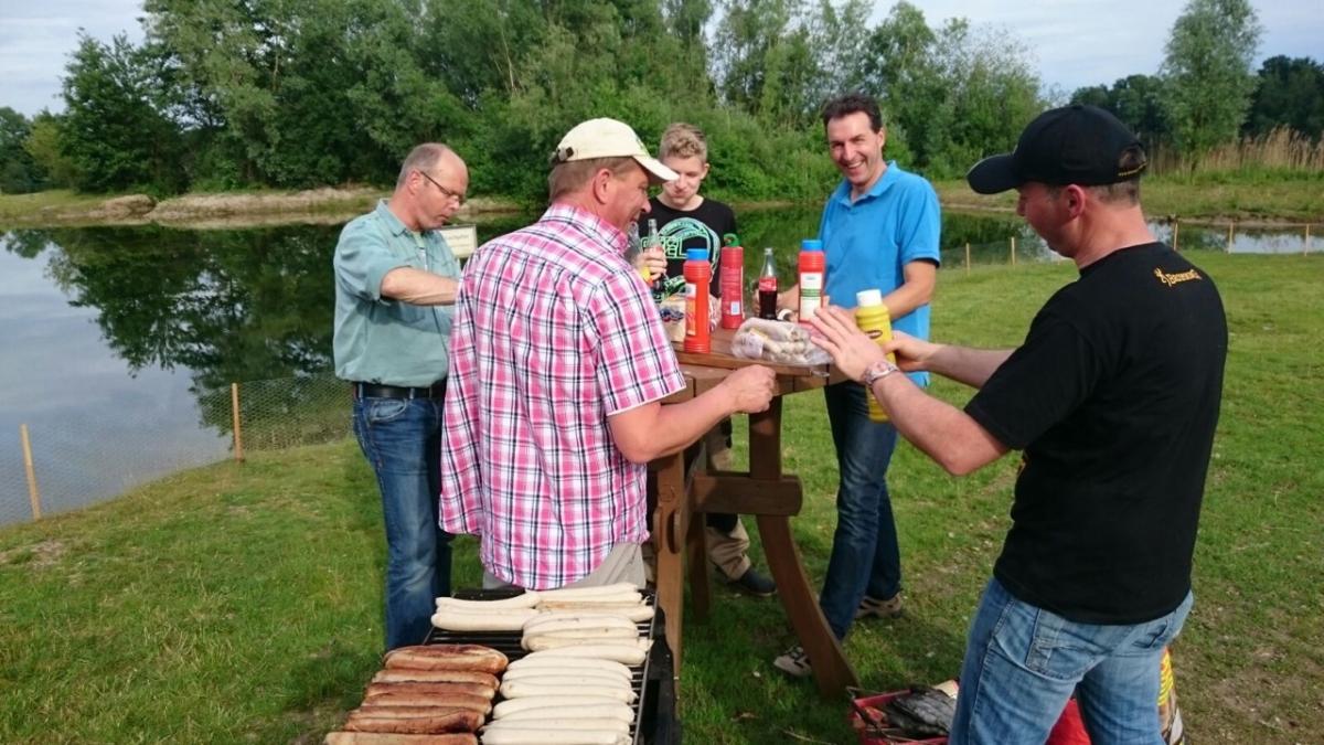 2016 befreundete Vereine Grillen